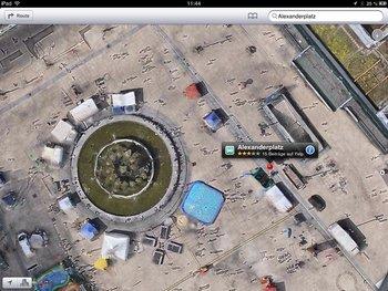 Am Alex (Berlin) ist es umgekehrt: hier Apple…