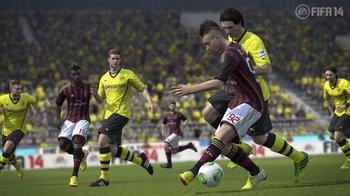 fifa14_ps3_jostle_for_ball_wm