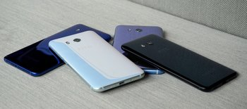 HTC U11: gestapelt, seitlich