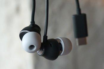HTC U11: HTC USonic In-Ear-Kopfhörer