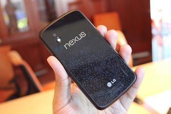 Nexus 4 by Techcrunch - Rückseite