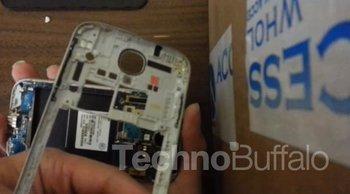 Samsung Galaxy S4 Teardown 02
