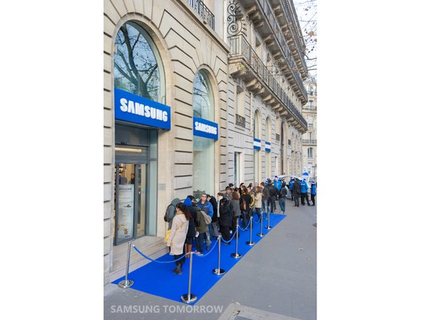 first-samsung-mobile-store_3