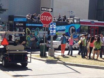 Vor dem Austin Convention Center