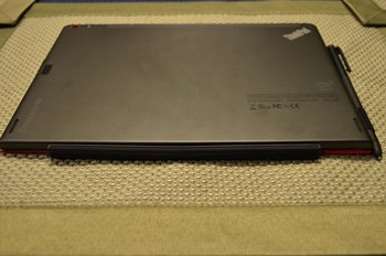 Lenovo-ThinkPad-10_foto_back