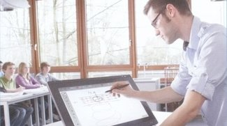 Schultafel mit Touchdisplay: Wacom präsentiert 21,6 Zoll-Grafiktablet