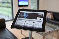 Stummer Diener: iPad-Bodenständer für 179 Euro