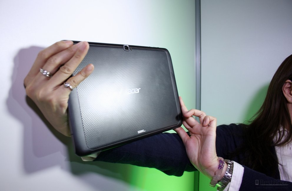 CES 2012: Acer Iconia Tab A700 im Hands-On