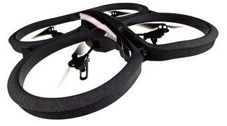 AR.Drone 2.0 mit HD-Kamera und Cockpit-Modus
