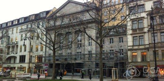 Zukünftiger Apple Store Berlin wird eingerüstet