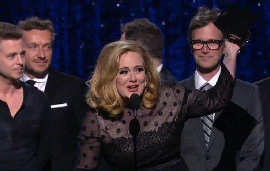 """Adele gewinnt sechs Grammys 2012, singt """"Rolling in the Deep"""" - die Gewinner im Überblick (Video)"""