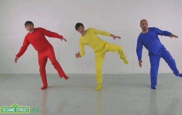 """OK Go erklären die 3 Primär-Farben für die Sesamstraße: """"Primary Colors"""""""