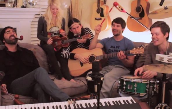 "Neues Video von Walk Off The Earth: ""From Me To You"" (Beatles-Cover)"