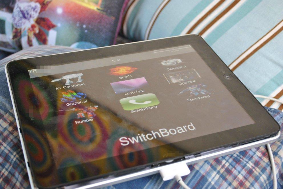 eBay: iPad-Prototyp mit zweitem Dockanschluss verkauft