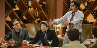 Raj und Howard bei Howards Junggesellenabschied in Staffel 5 von The Big Bang Theory