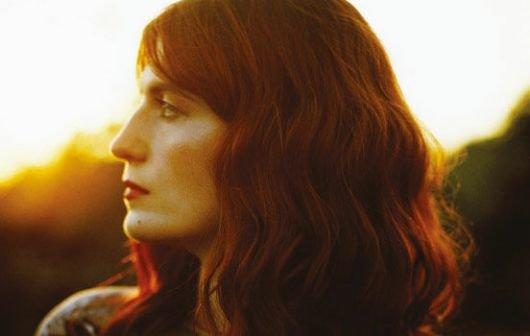 "Florence + the Machine: 3 neue Videos angucken, ""Spectrum"", ""No Light, No Light"", ""Breath of Life"""