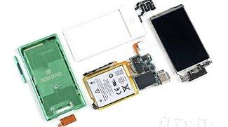 iPod nano: iFixit greift zum Plastikspachtel