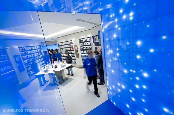 "Samsung: erster ""Mobile Store"" in Paris eröffnet"