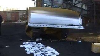 Video of the Day: 127 iPhone-Plagiate zerstört
