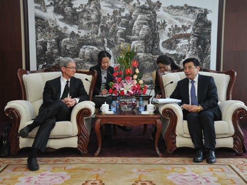Tim Cook reist zum zweiten Mal als Apple-CEO nach China
