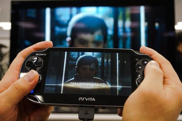 MGS 5 Ground Zeroes: Kojima präsentiert das Remote Play-Feature auf der Vita
