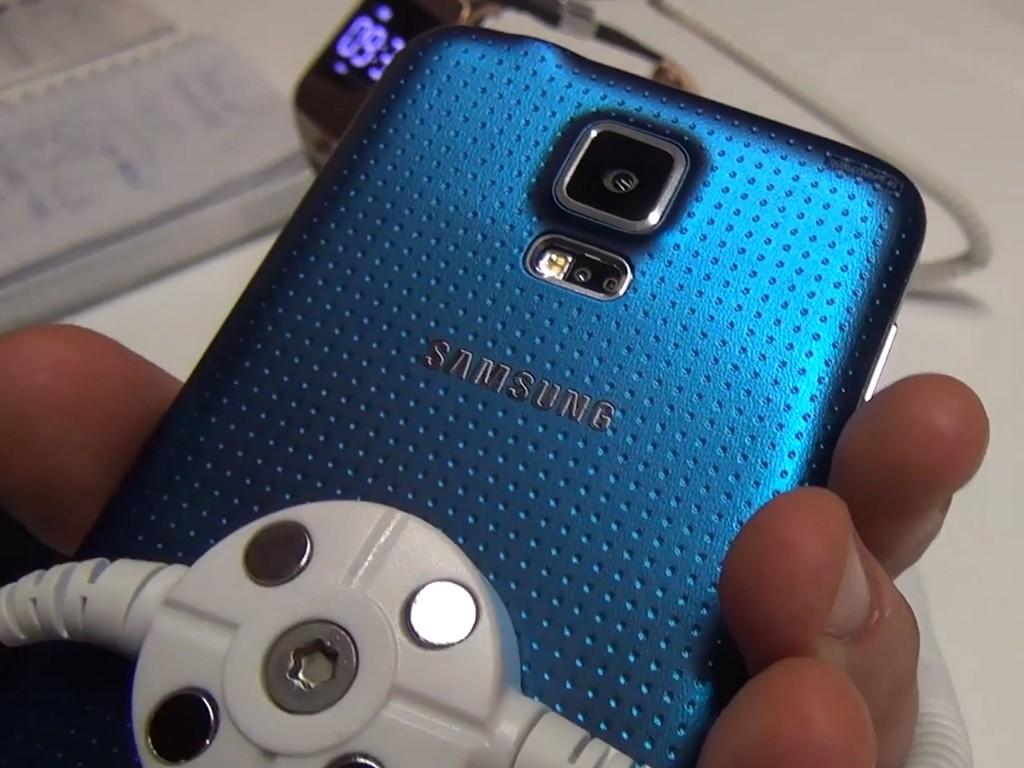 Samsung: Firmenchef JK Shin dementiert Pläne zu einer Premium-Version des Galaxy S5
