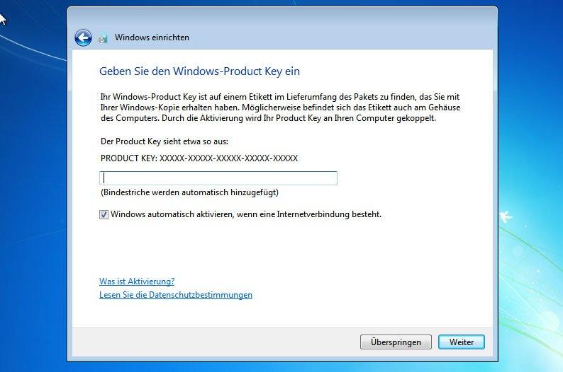 Bereits bei der Installation könnt ihr euren Windows-7-Key eingeben.