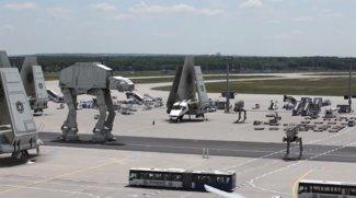 Star Wars VII: Imperium hält Frankfurter Flughafen besetzt!