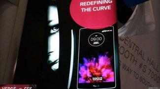 LG G Flex 2: Messe-Banner zeigt Nachfolger des gekrümmten Smartphones [CES 2015]