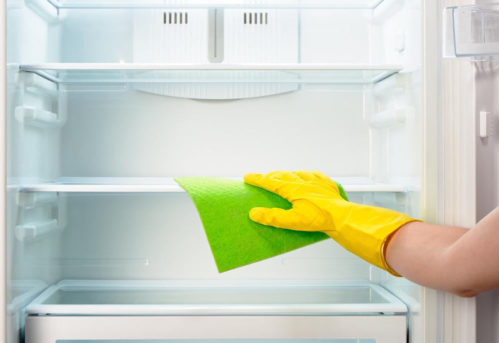 Schön Kühlschrank Reinigen Ganz Einfach Mit Natronlauge Oder Essigwasser Wird Der  Kühlschrank Hygienisch Sauber.