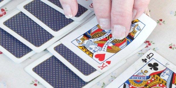 Solitär: Regeln und Tipps für das Kartenspiel