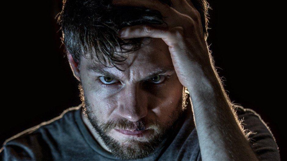 Geplagt von Dämonen will Kyle die Wahrheit herausfinden, um den Spuk zu beenden.