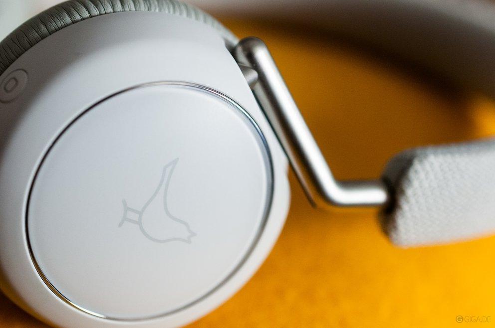 test-libratone-q-adapt-on-ear-button