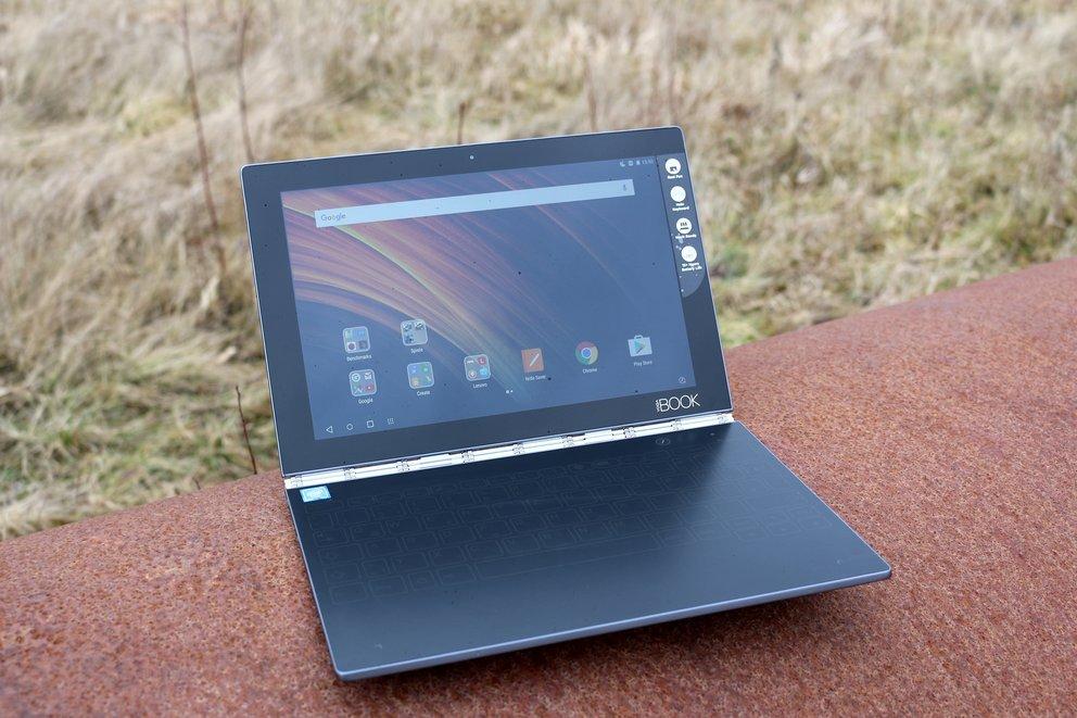 Lenovo-Yoga-Book-Test-Front-q_giga