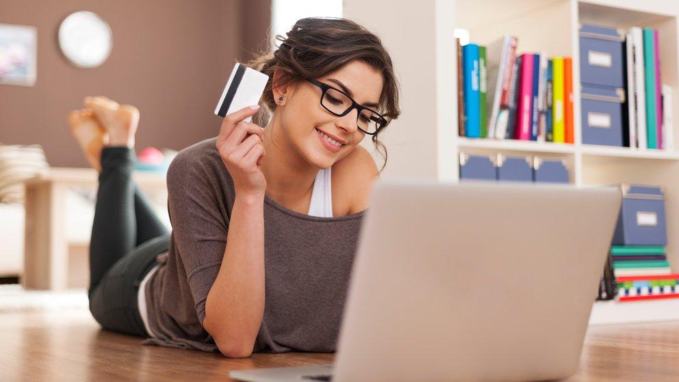 Barclaycard New Visa mit 25 Euro Startguthaben – kostenlose Kreditkarte für Online-Einkäufe, Reisen u.v.m.