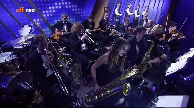 Orchester bei Neo Magazin Royale ZDFneo