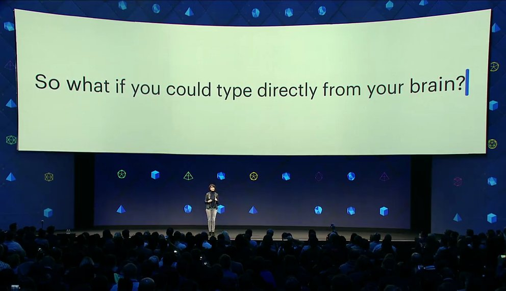 Facebook-Managerin Regina Dugan erklärt auf der Entwicklermesse F8, was die Forschungsabteilung in Sachen Gedankenlesen herausgefunden hat (Quelle: Screenshot Facebook)