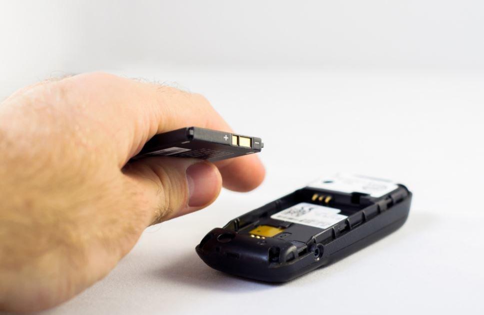 Smartphone Akku Leer