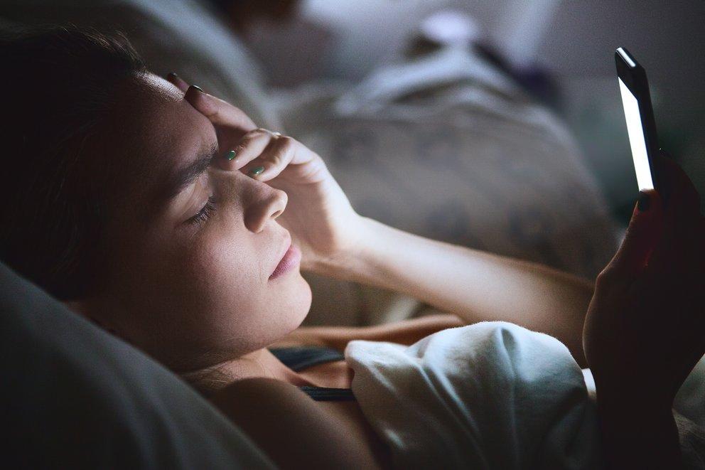 Schlimmste Befürchtung wird wahr: Das Handy zerstört unsere Augen und mehr