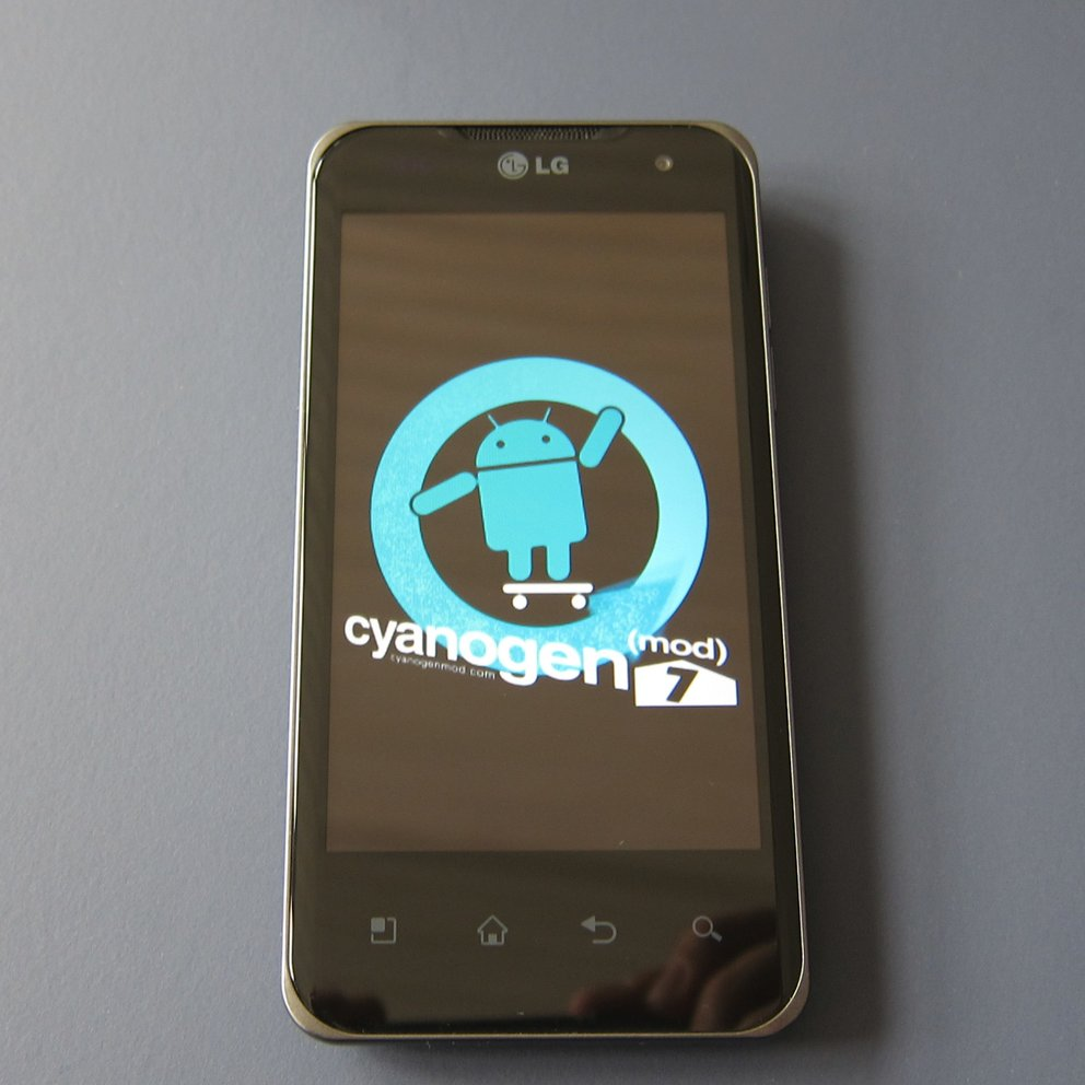 LG Optimus Speed: Gingerbread dank CyanogenMod-Testversion