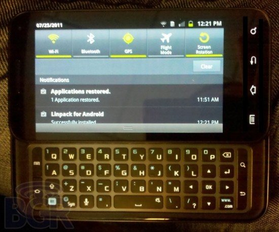 Samsung Galaxy S2: Version mit ausziehbarer Tastatur gesichtet