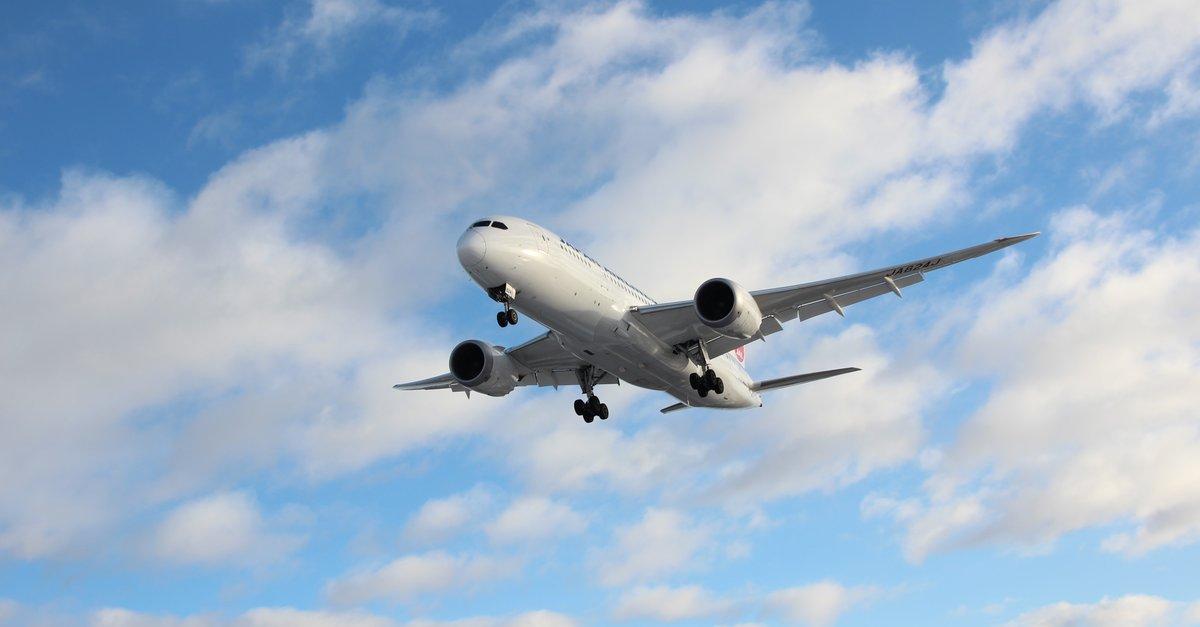 Powerbank im Flugzeug mitnehmen: Darauf müsst ihr achten