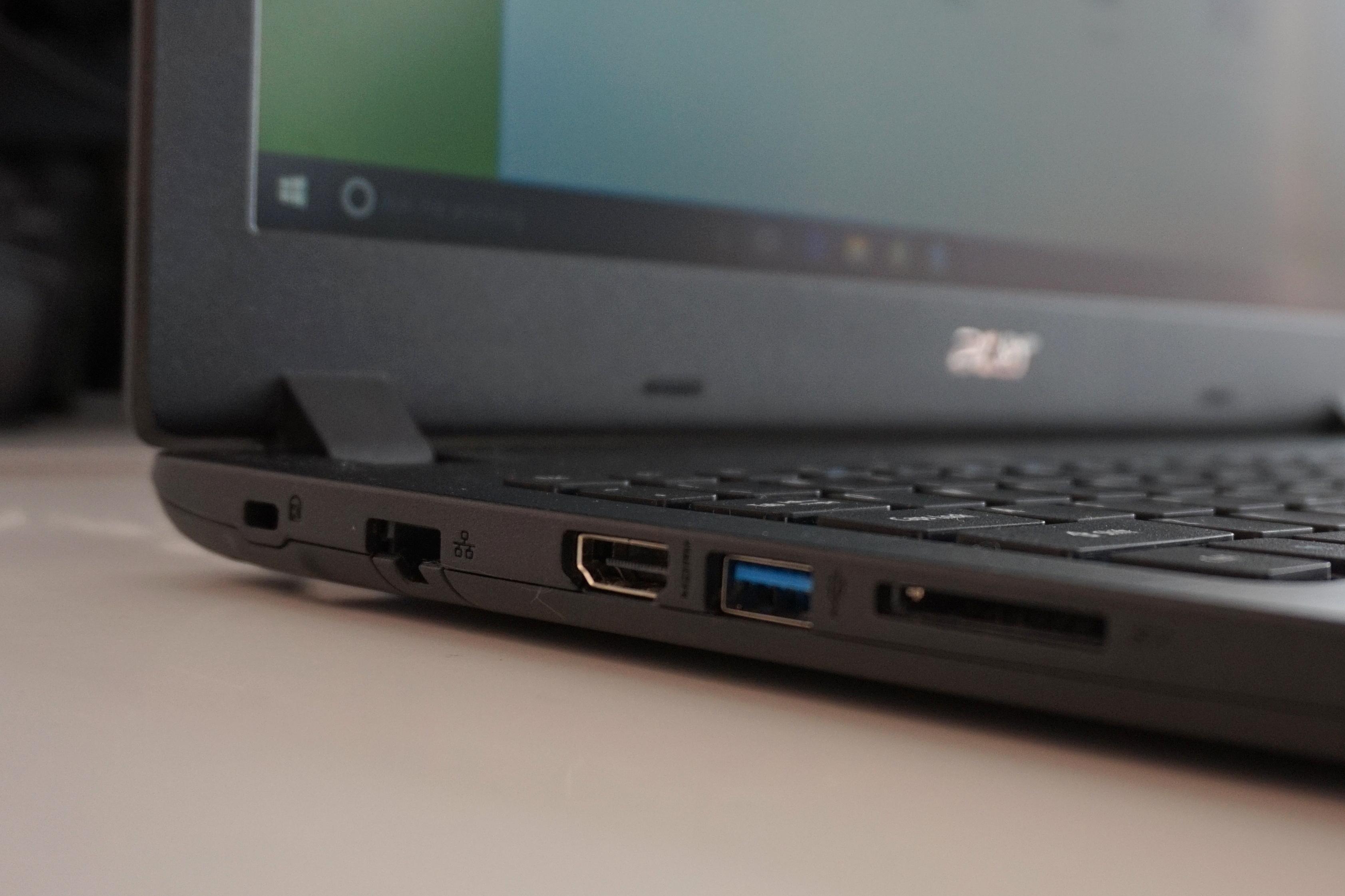 Acer Aspire 1 Acer Aspire 1 Anschlüsse links