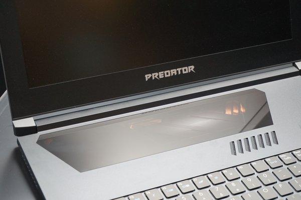 Acer Predator Triton 700: Kurioses Sichtfenster-Touchpad