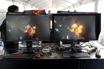Acer Predator X27 im Vergleich zum XB721HK aus dem Vorjahr – der Unterschied zwischen SDR und HDR ist in der Realität deutlich stärker sichtbar