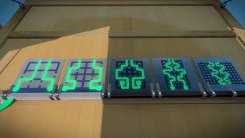 Glasfabrik: An der hinteren Wand wartet die erste Sequenz aus 5 Paneln.
