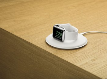 apple-watch-magnetic-charging-dock-onwood