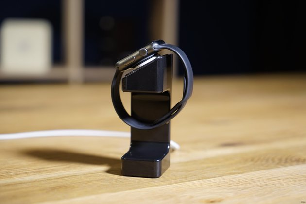 ArktisPRO Apple Watch Stand