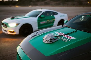 castrol-virtual-racers-ford-mustangs-fitted-with-tracking-equipment
