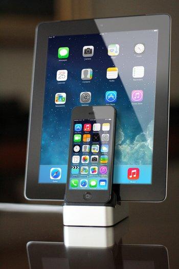 EverDock Duo - für zwei Smartphones oder Smartphone und Tablet
